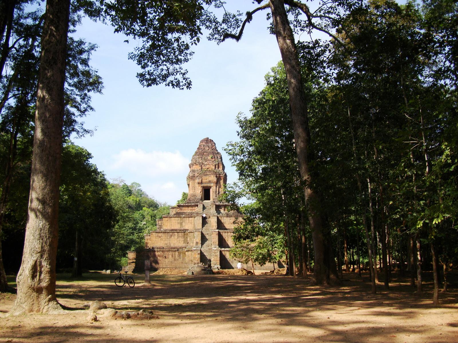 Baksei Chamkrong Temple Angkor Siem Reap Cambodia Jan 2010 03
