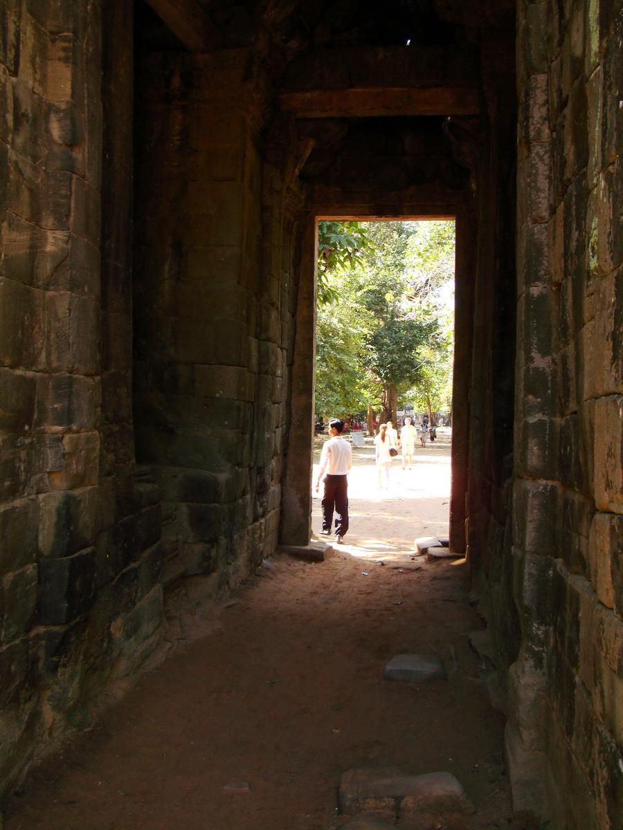 A Banteay Kdei Temple Gopura IV E Bayon style 4 faces 07