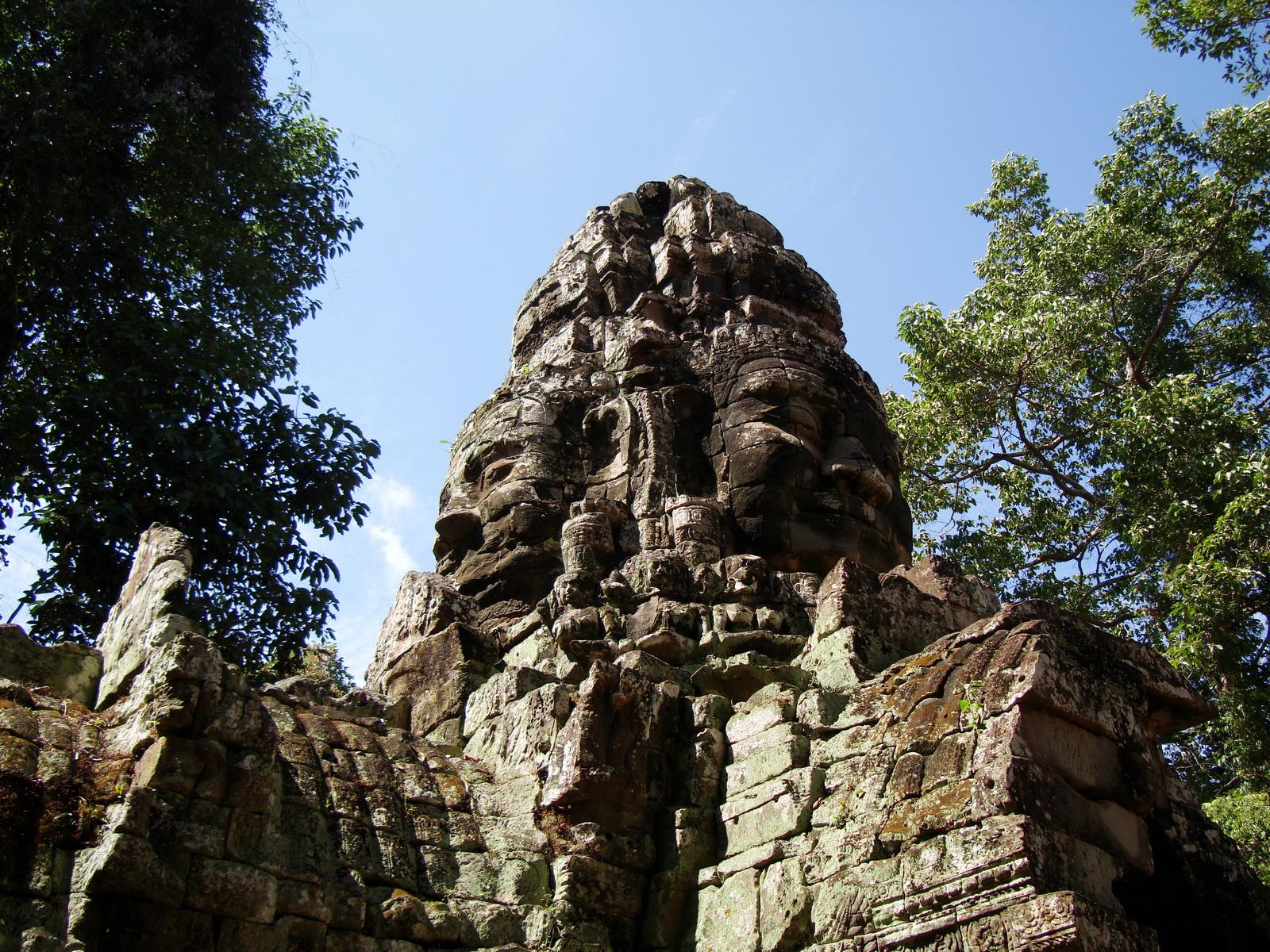 A Banteay Kdei Temple Gopura IV E Bayon style 4 faces 12