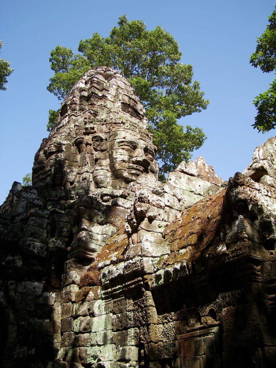 A Banteay Kdei Temple Gopura IV E Bayon style 4 faces 14