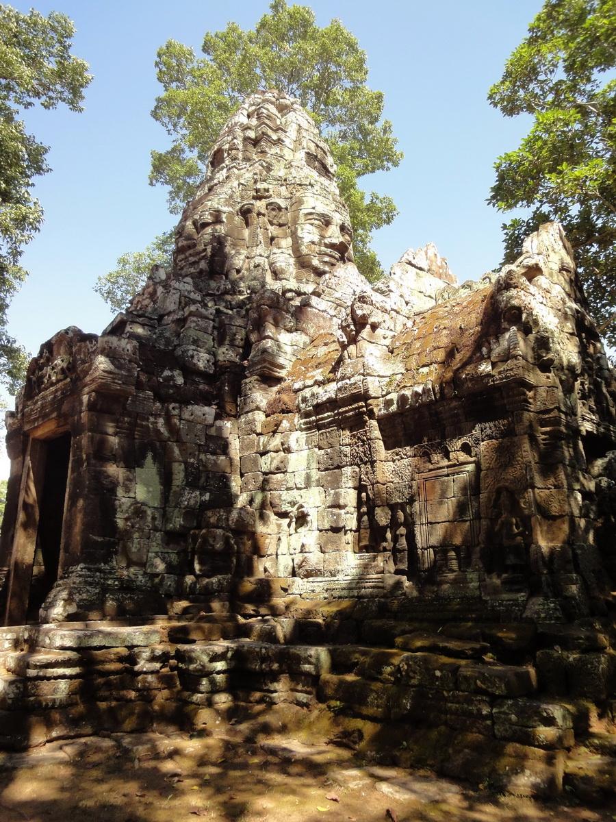 A Banteay Kdei Temple Gopura IV E Bayon style 4 faces 17
