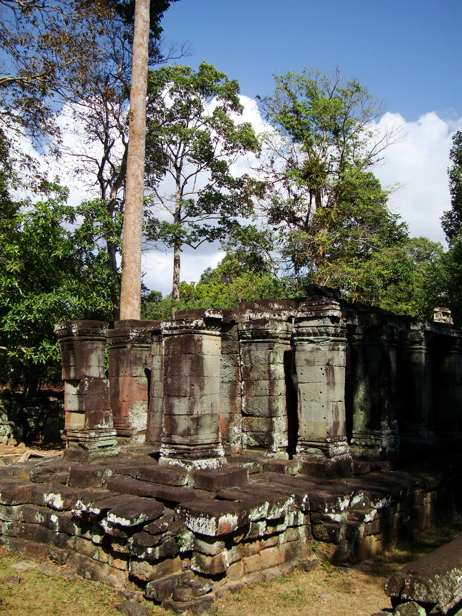 A Banteay Kdei Temple ruins Jan 2010 02