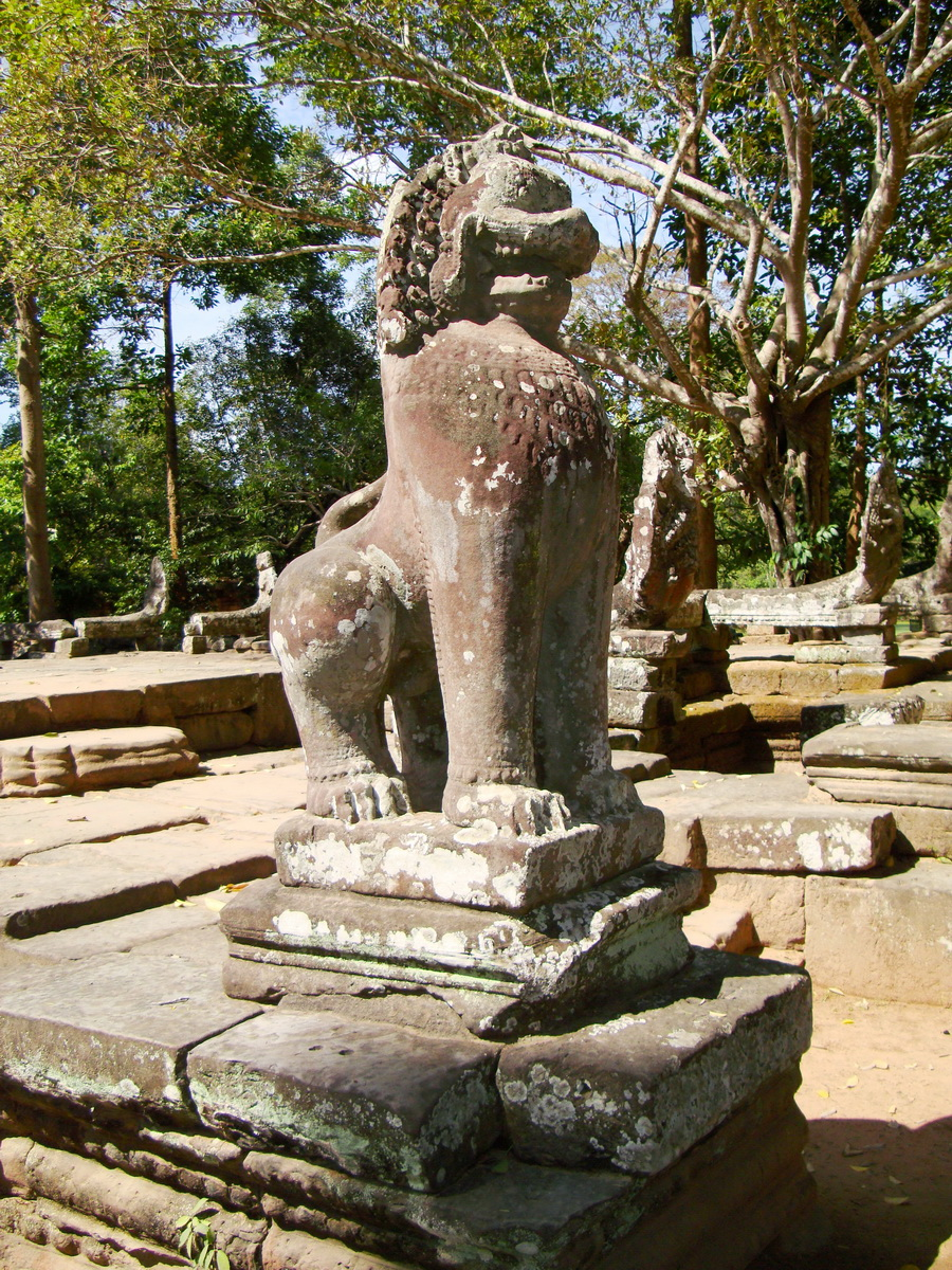 B Banteay Kdei Temple terrace with naga balustrade lion guardians Angkor 02