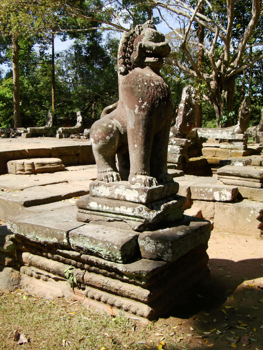 B Banteay Kdei Temple terrace with naga balustrade lion guardians Angkor 03
