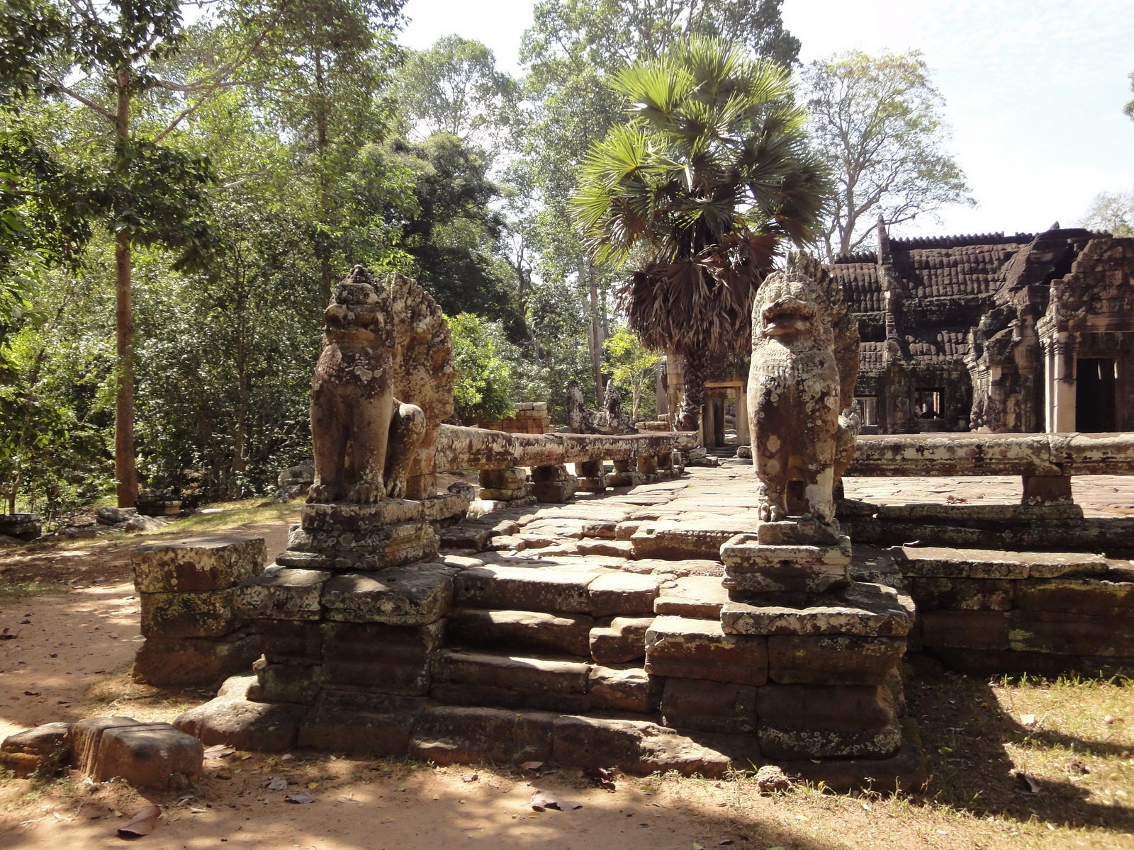 B Banteay Kdei Temple terrace with naga balustrade lion guardians Angkor 06