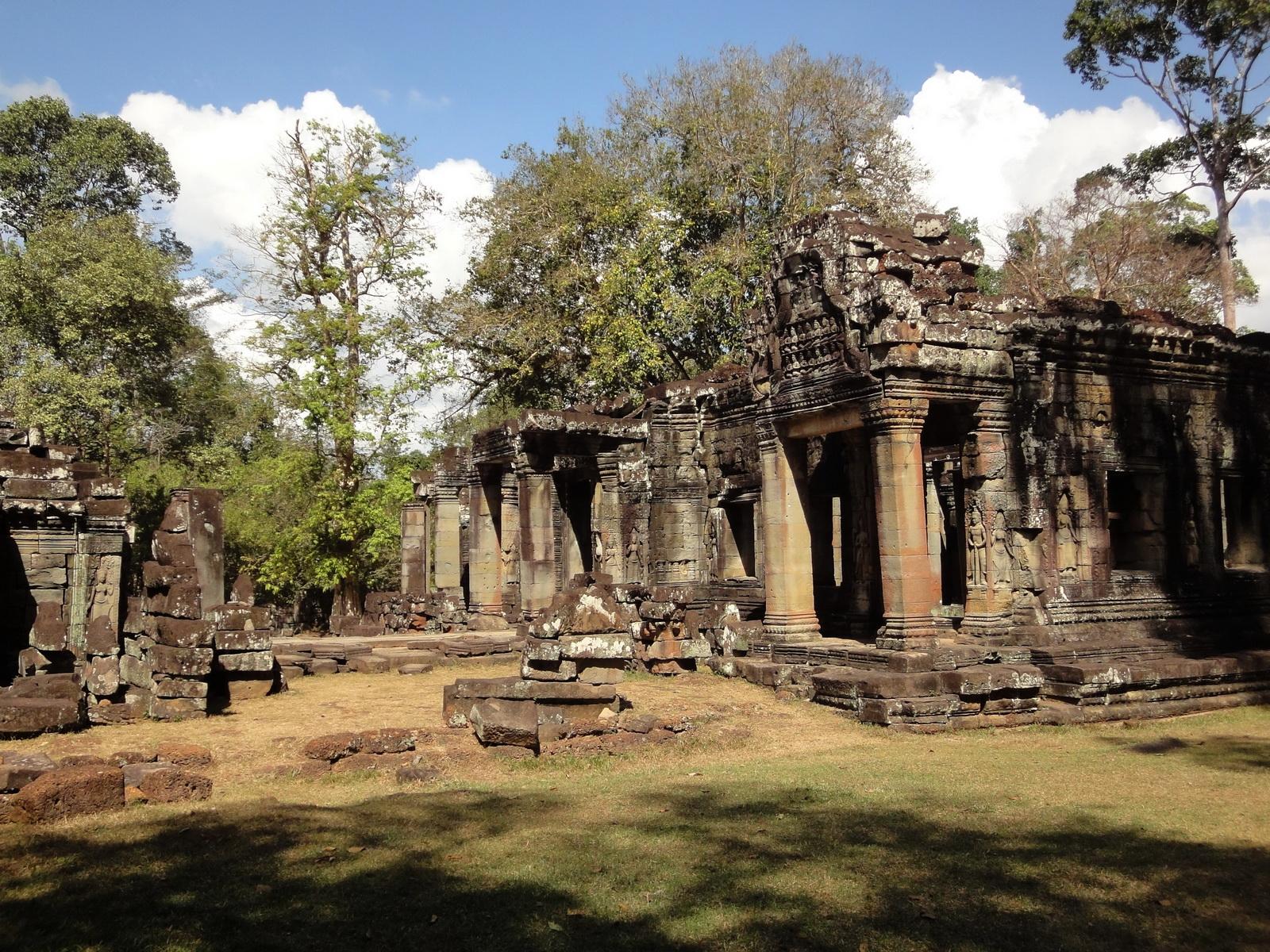 B1 Banteay Kdei Temple Gopura II Angkor Jan 2010 06