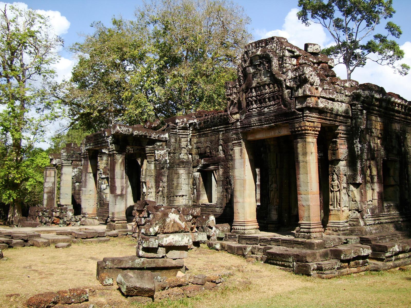 B1 Banteay Kdei Temple Gopura II Angkor Jan 2010 12