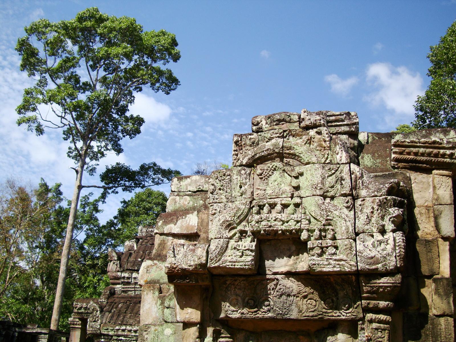 B1 Banteay Kdei Temple Gopura II Angkor Jan 2010 16