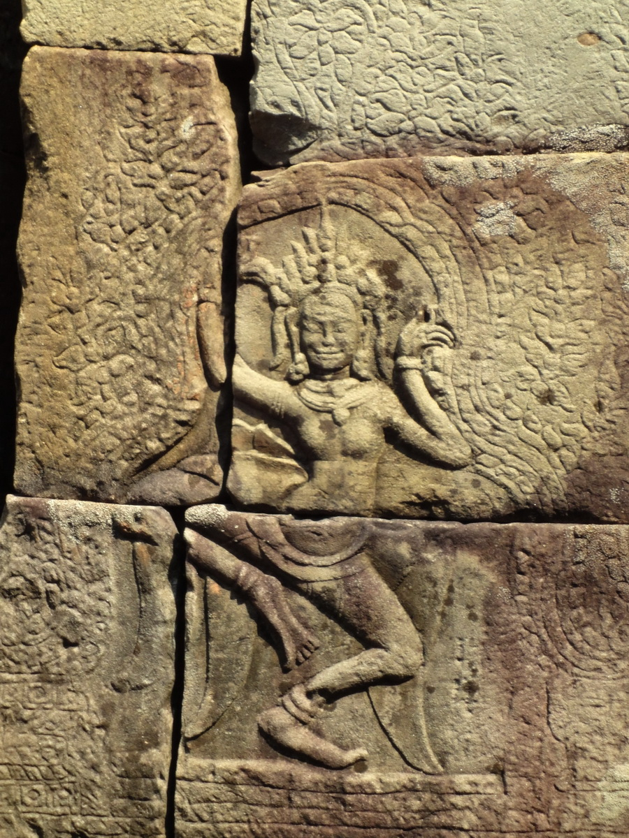 C Banteay Kdei Temple hall of dancers Bas relief dancing apsaras 01