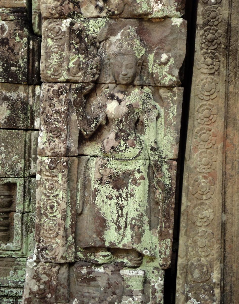 C Banteay Kdei Temple hall of dancers Bas relief deva 02