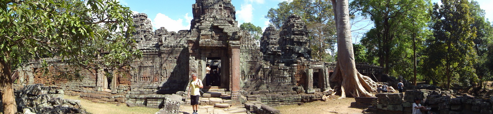 D Banteay Kdei Temple Gopuram W Entry towers main sanctuary 01