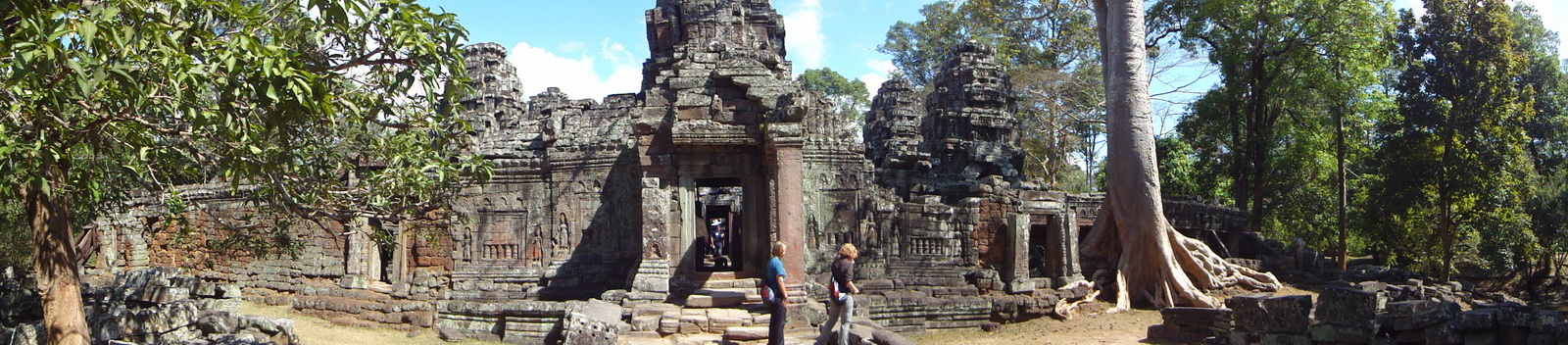 D Banteay Kdei Temple Gopuram W Entry towers main sanctuary 02