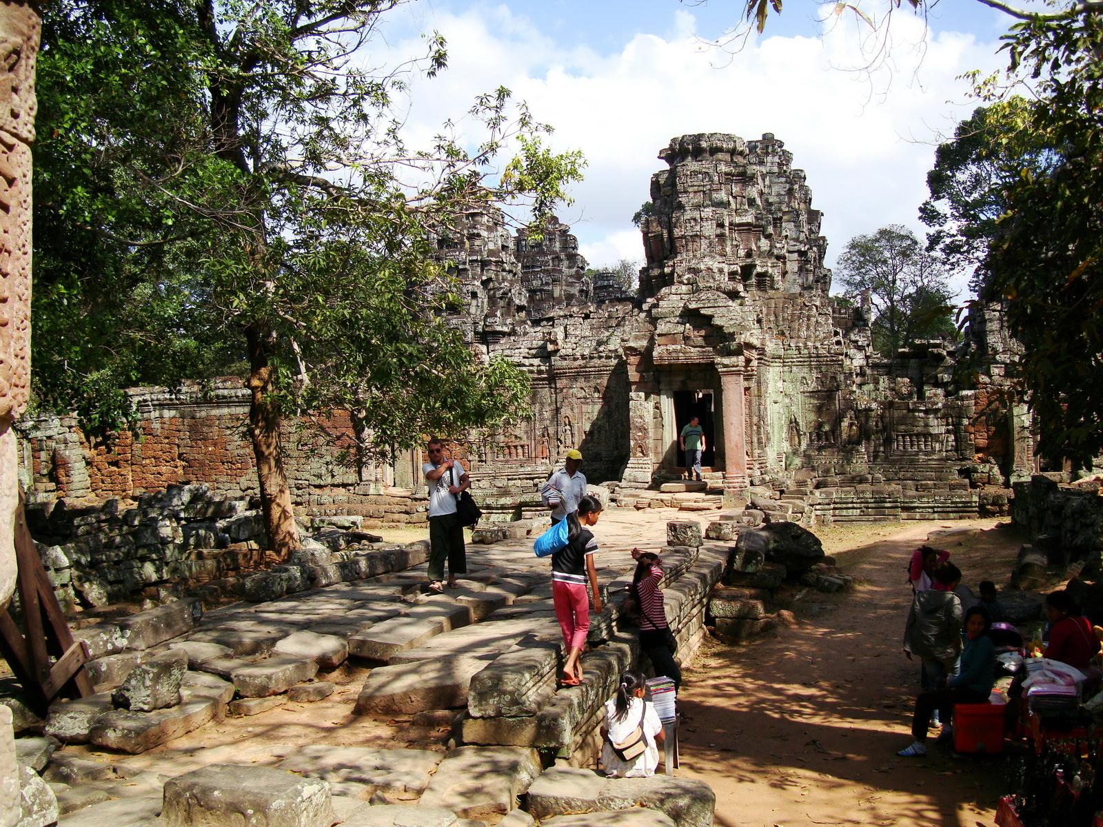 D Banteay Kdei Temple Gopuram Western Entry towers Angkor 05