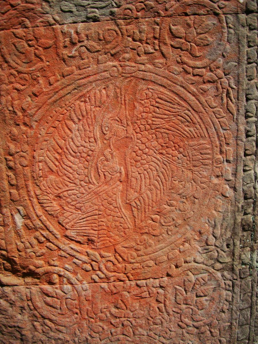 D Banteay Kdei Temple central sanctuary Bas reliefs 04