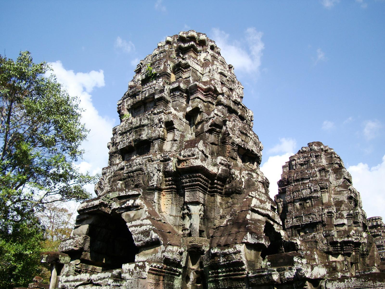 D Banteay Kdei Temple central sanctuary tower 02
