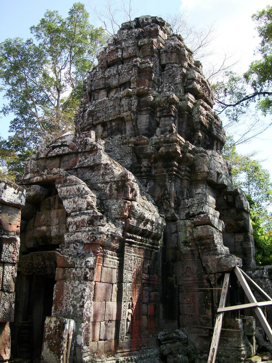 D Banteay Kdei Temple central sanctuary tower 04