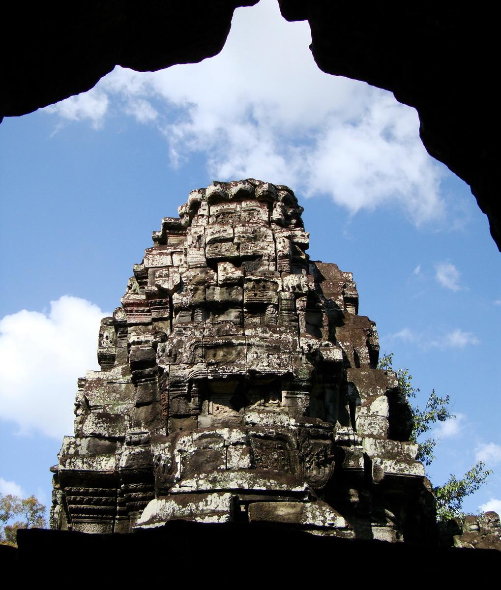 D Banteay Kdei Temple central sanctuary tower 05