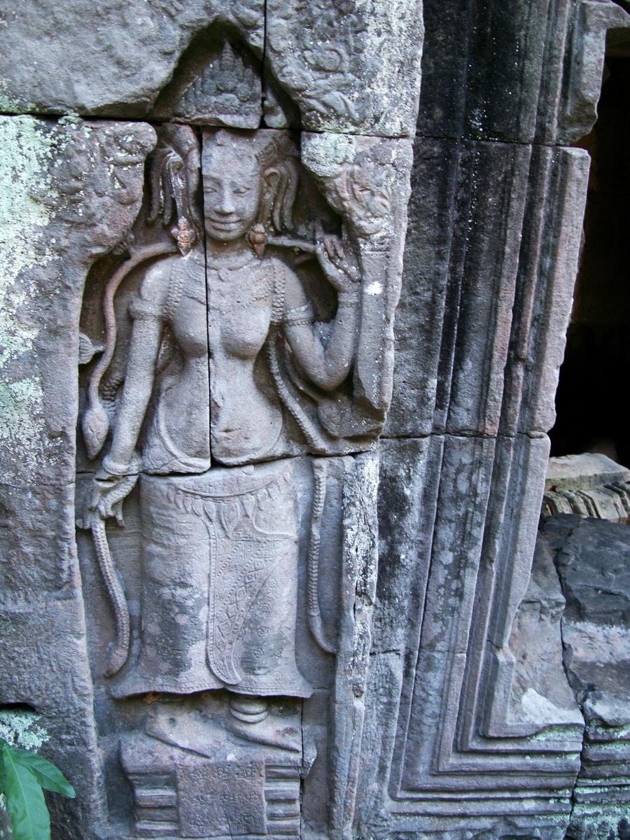 D Banteay Kdei Temple main enclosure Bas relief devas 33