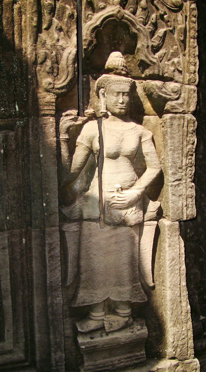 D Banteay Kdei Temple main enclosure Bas relief devas 36