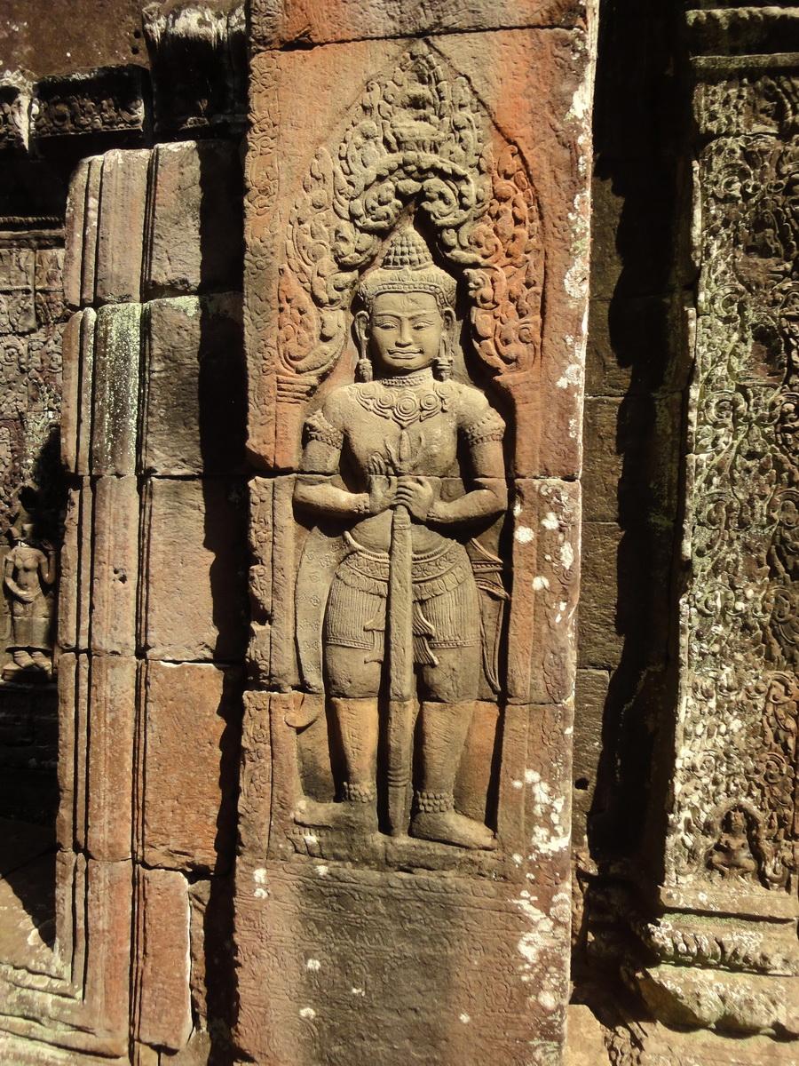 D Banteay Kdei Temple main enclosure Bas relief guardian 01
