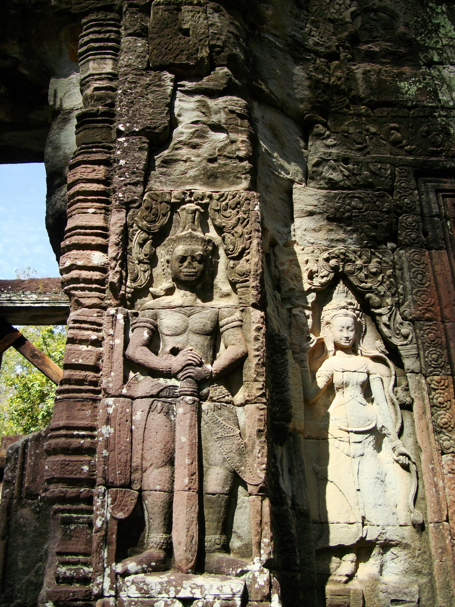 D Banteay Kdei Temple main enclosure Bas relief guardian 03