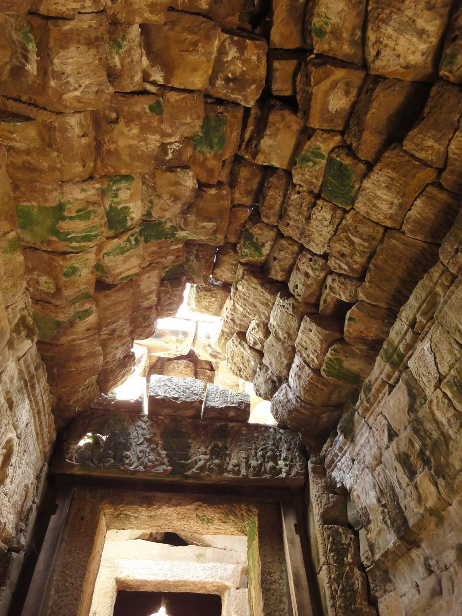 D Banteay Kdei Temple main enclosure inner passageways 06
