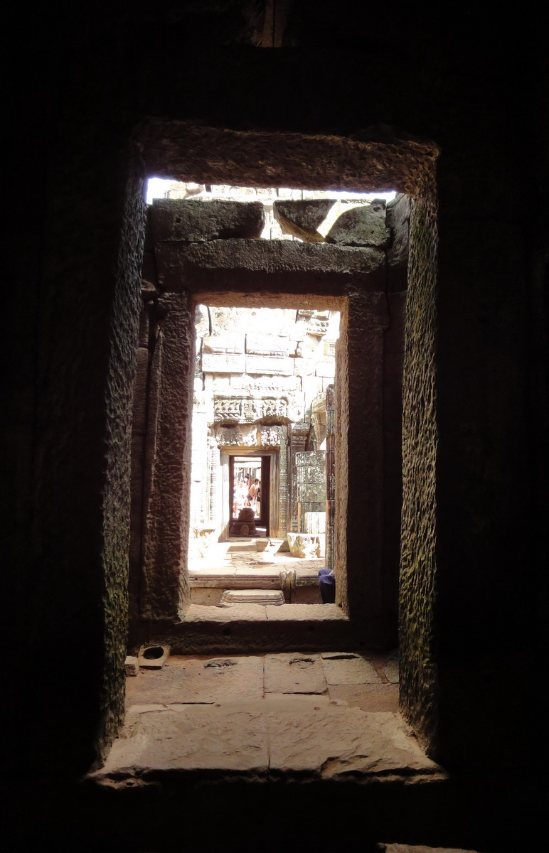 D Banteay Kdei Temple main enclosure inner passageways 08