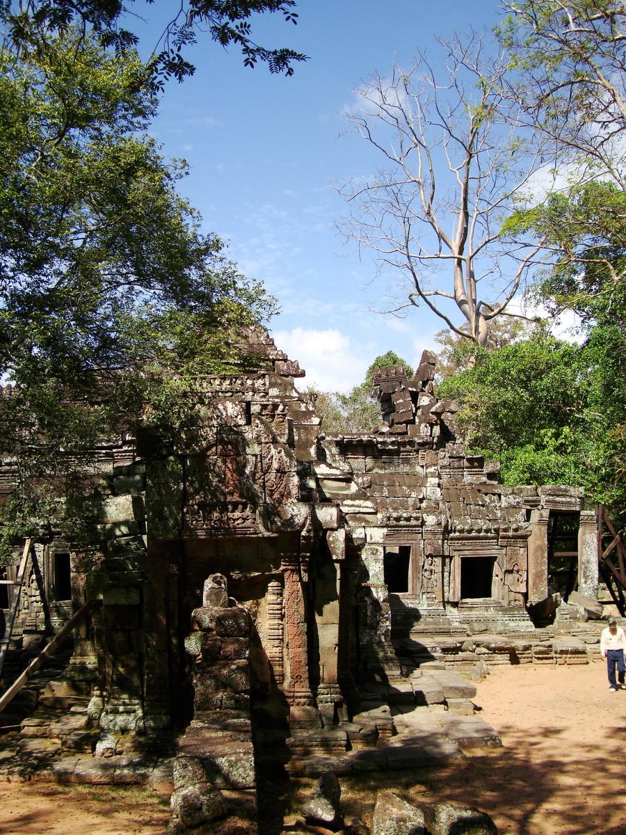 E Banteay Kdei Temple Gopura III W Bayon style 05
