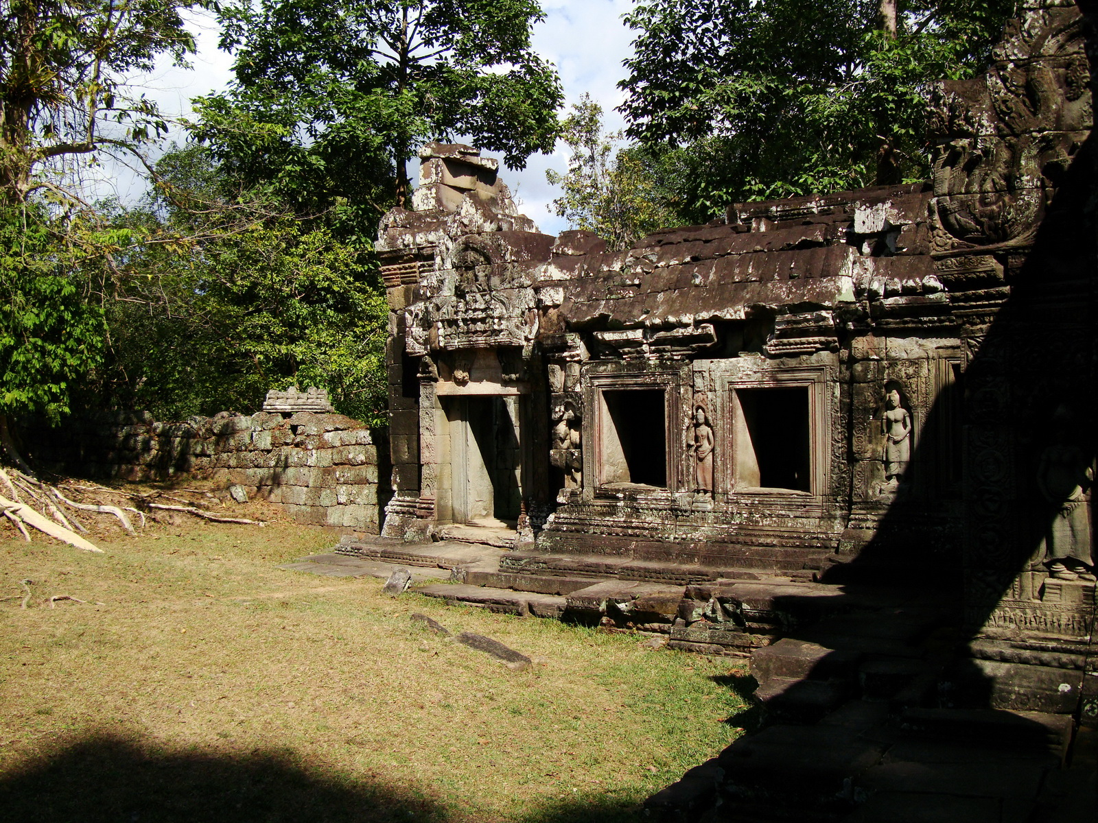 E Banteay Kdei Temple Gopura III W Bayon style 15