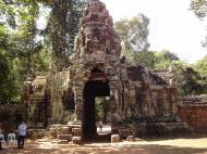 Asisbiz A Banteay Kdei Temple Gopura IV E Bayon style 4 faces 03