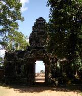 Asisbiz A Banteay Kdei Temple Gopura IV E Bayon style 4 faces 16