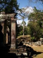 Asisbiz B1 Banteay Kdei Temple Gopura II Angkor Jan 2010 04