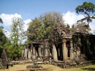Asisbiz B1 Banteay Kdei Temple Gopura II Angkor Jan 2010 11