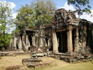 Asisbiz B1 Banteay Kdei Temple Gopura II Angkor Jan 2010 12