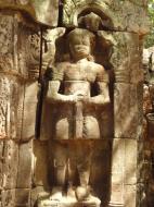 Asisbiz C Banteay Kdei Temple hall of dancers Bas relief guardian 02