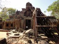 Asisbiz D Banteay Kdei Temple central sanctuary enclosure 01