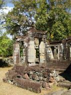 Asisbiz D Banteay Kdei Temple central sanctuary enclosure 06