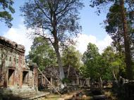 Asisbiz D Banteay Kdei Temple central sanctuary enclosure 09