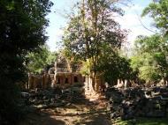 Asisbiz D Banteay Kdei Temple central sanctuary enclosure 10