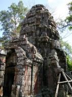 Asisbiz D Banteay Kdei Temple central sanctuary tower 04