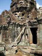 Asisbiz D Banteay Kdei Temple central sanctuary tower 07
