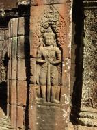 Asisbiz D Banteay Kdei Temple main enclosure Bas relief guardian 01