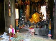 Asisbiz D Banteay Kdei Temple main enclosure Buddha Jan 2010 03