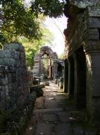 Asisbiz D Banteay Kdei Temple main enclosure inner passageways 10