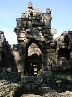 Asisbiz D Banteay Kdei Temple main enclosure inner passageways 12