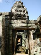 Asisbiz D Banteay Kdei Temple main enclosure inner passageways 13