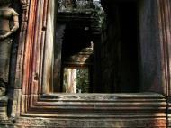 Asisbiz D Banteay Kdei Temple main enclosure inner passageways 14