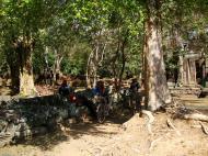 Asisbiz D Banteay Kdei Temple ruins Jan 2010 01