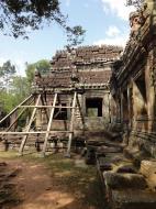 Asisbiz E Banteay Kdei Temple Gopura III W Bayon style 01
