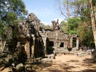 Asisbiz E Banteay Kdei Temple Gopura III W Bayon style 04